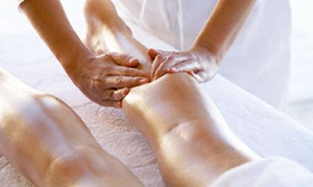 Un masaje mejora la circulación de las piernas después de un ajetreado día.